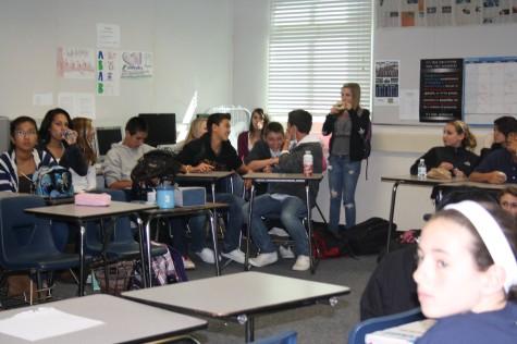 Freshmen hold its first class meeting