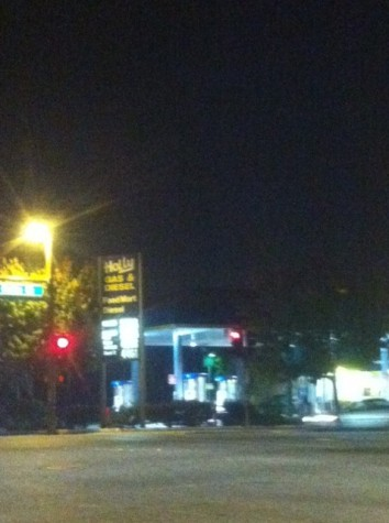 San Carlos gas station robbed at gunpoint