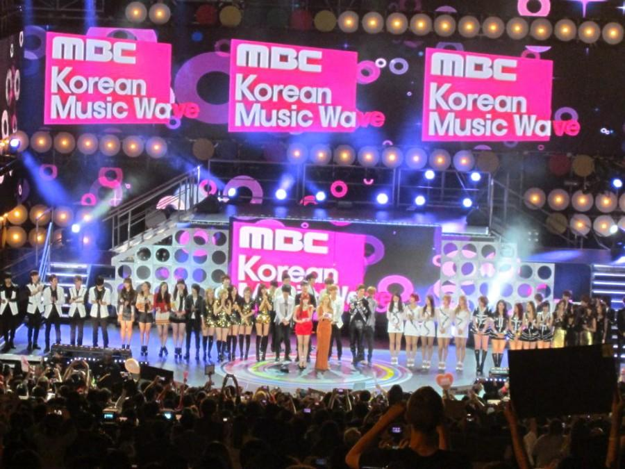 Korea%27s+top+bands+perform+at+the+%22MBC+Korean+Music+Wave+in+Google%22+concert