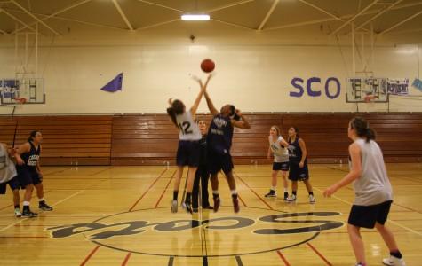 Varsity girls basketball gets ready for the season