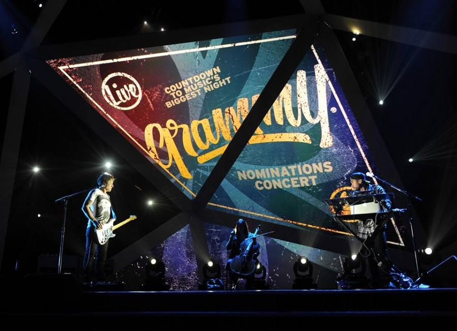 Keith+Urban+and+Miguel+performing+together+at+the+Grammy+Nominations.