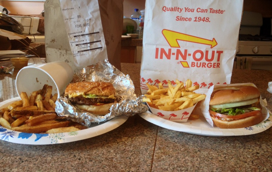 Five+Guys+and+In-N-Out+burgers+and+fries+side+by+side.