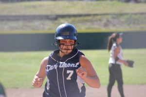 Scots softball scores again