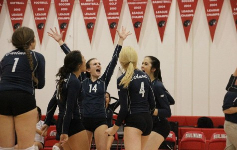 Varsity volleyball adjusts to setbacks