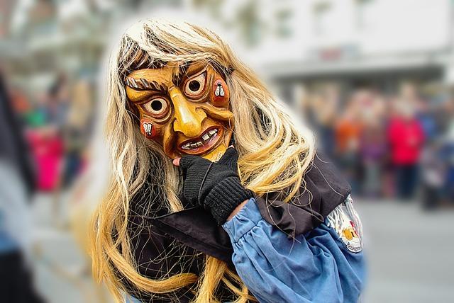 Children+receive+costumes+for+Halloween.