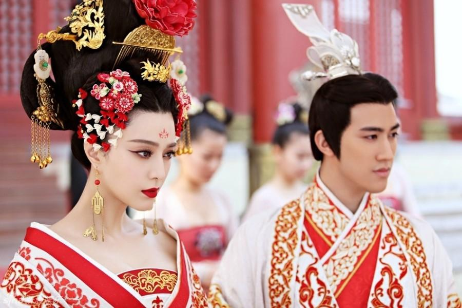 Empress+Wu+Ze+Tian+%28Fan+Bing+Bing%29+marries+the+Emperor+%28Zhang+Fenyi%29.