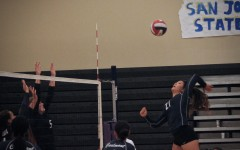 Varsity volleyball defends name in Sequoia-Carlmont rivalry