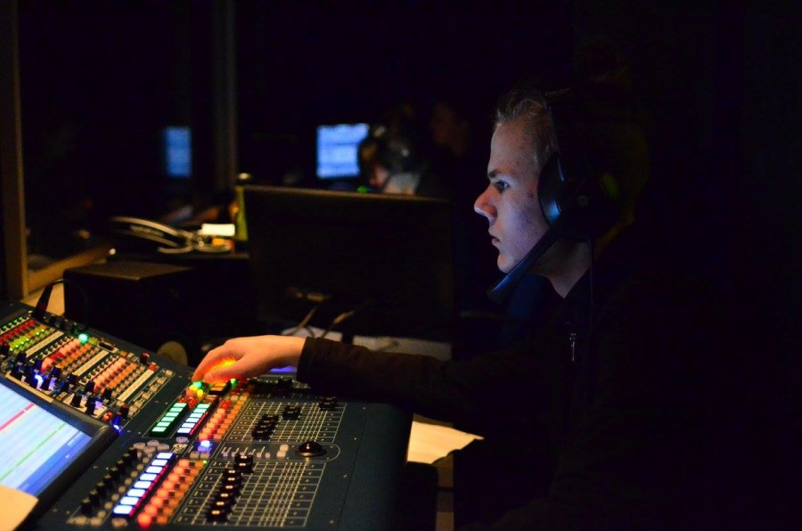 CTTA+member+Gustaf+Claesson+controls+the+soundboard+in+the+Carlmont+Performing+Arts+Center.