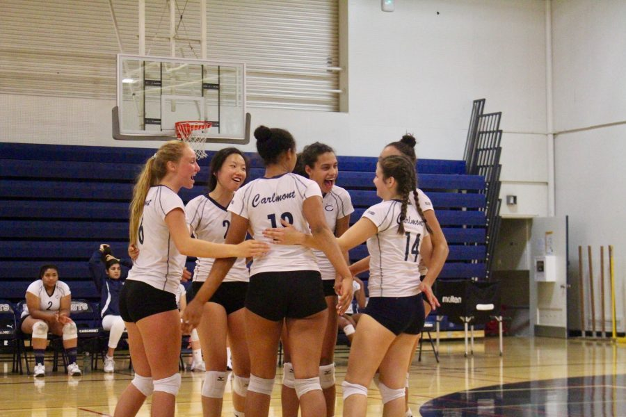 Varsity+volleyball+celebrates+their+season+with+earning+the+most+wins+in+Carlmont+history.