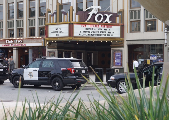 Many+police+attended+the+memorial+service+at+Fox+Theatre.