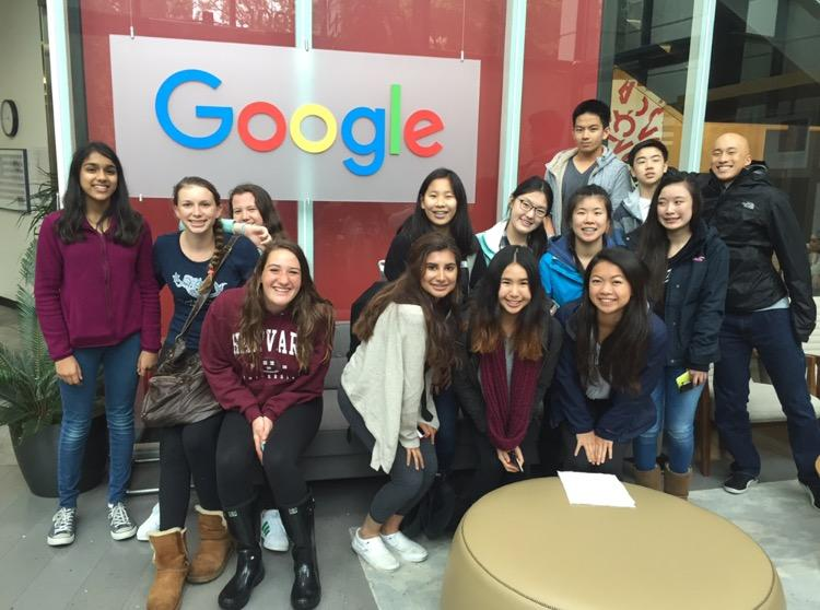 STEM+Club+snaps+a+picture+on+their+field+trip+to+Google.+%28Tiffany+Chung%29
