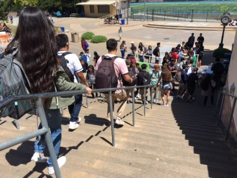 Students receive free summer reading books