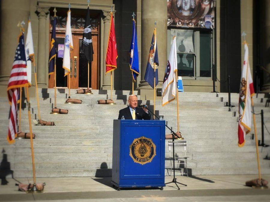 Keynote+speaker+Admiral+James+O+Ellis+Jr.+calls+for+the+remembrance+of+those+who+once+served+for+our+nation+and+acknowledges+the+men+and+women+of+today.