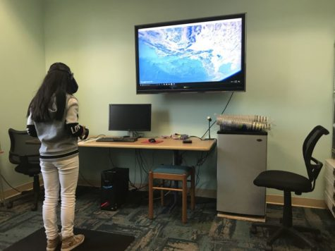 Library plugs teens into virtual reality