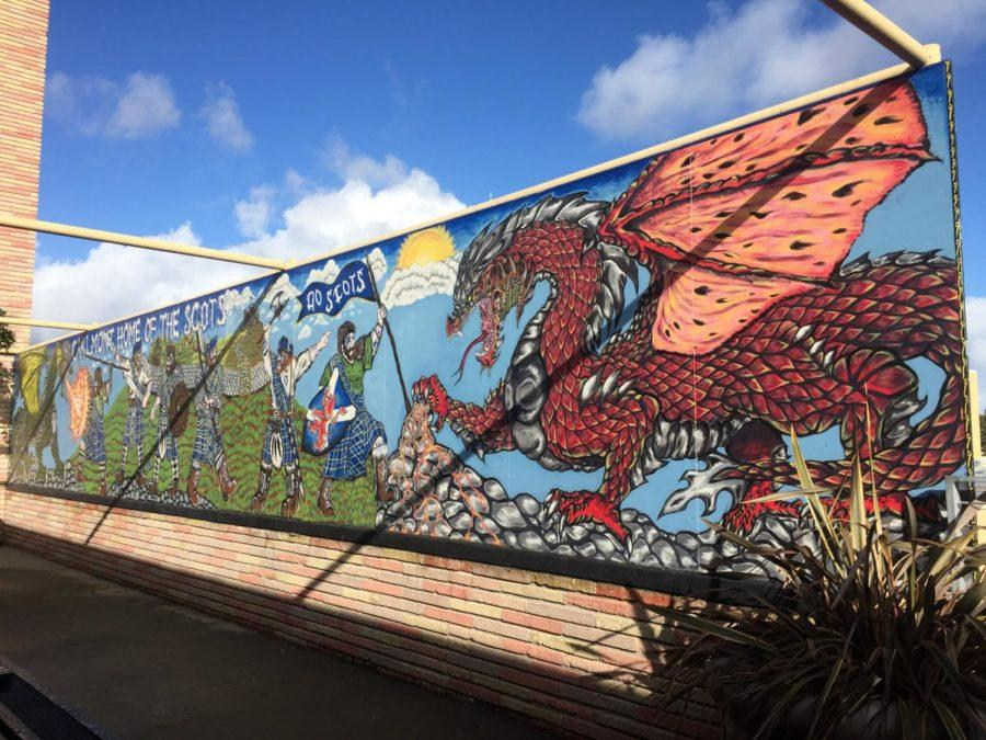 A+mural+of+Scots+fighting+a+dragon+is+located+in+the+corridor+by+the+Student+Union.+Angelo+Zhao%2C+a+former+Carlmont+student%2C+painted+this+mural+in+2015.+
