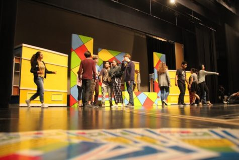Students prepare for the spring musical 'The Wedding Singer'