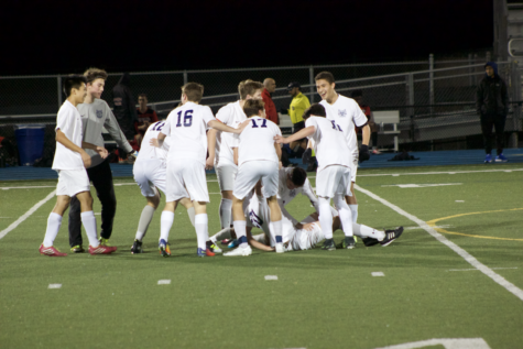 Boys' varsity soccer comes out on top against Aragon, 3-1