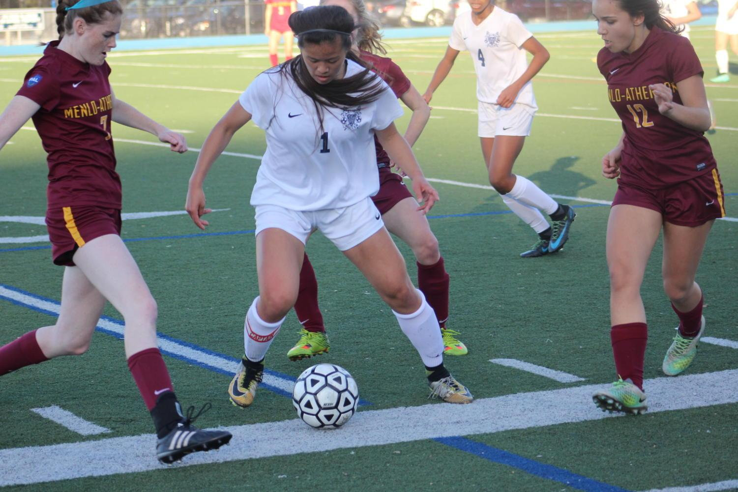 Samantha Phan defends the ball against the Bears.
