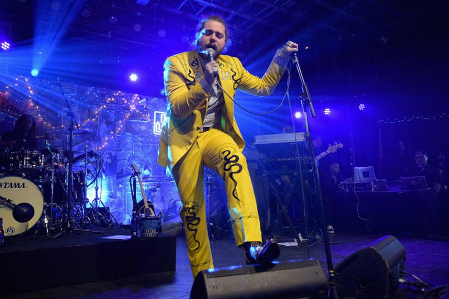 Post+Malone+debuts+his+new+album%2C+%22beerbongs+%26+bentleys%2C%22+with+yellow+attire+to+match+the+album+cover.