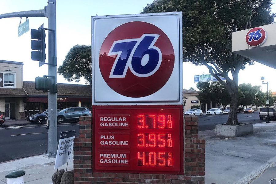 This+gas+station+in+Belmont%2C+Calif.+shows+average+gas+prices+per+gallon+for+different+types+of+gasoline.