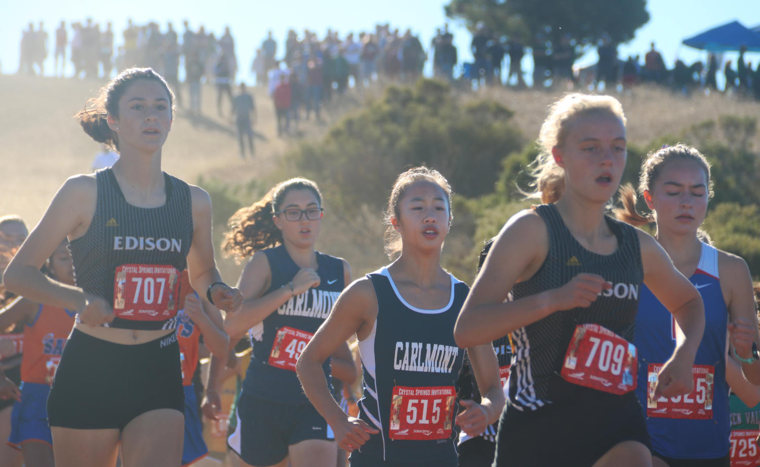 With the sound of a gun, the girls varsity race began with a sharp decline at the Serra Invitation on Saturday 10/6.