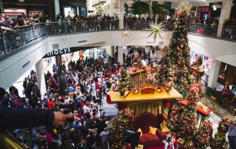 Hillsdale mall welcomes Christmas season