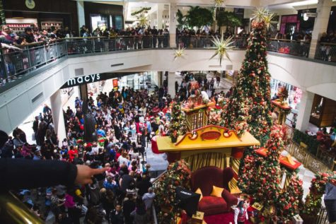 Hillsdale mall welcomes Christmas season