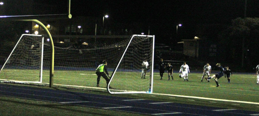 Joshua+Stattenfield%2C+a+sophomore%2C+scores+on+a+penalty+kick.