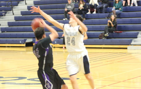 JV boys basketball resilient against rival Sequoia