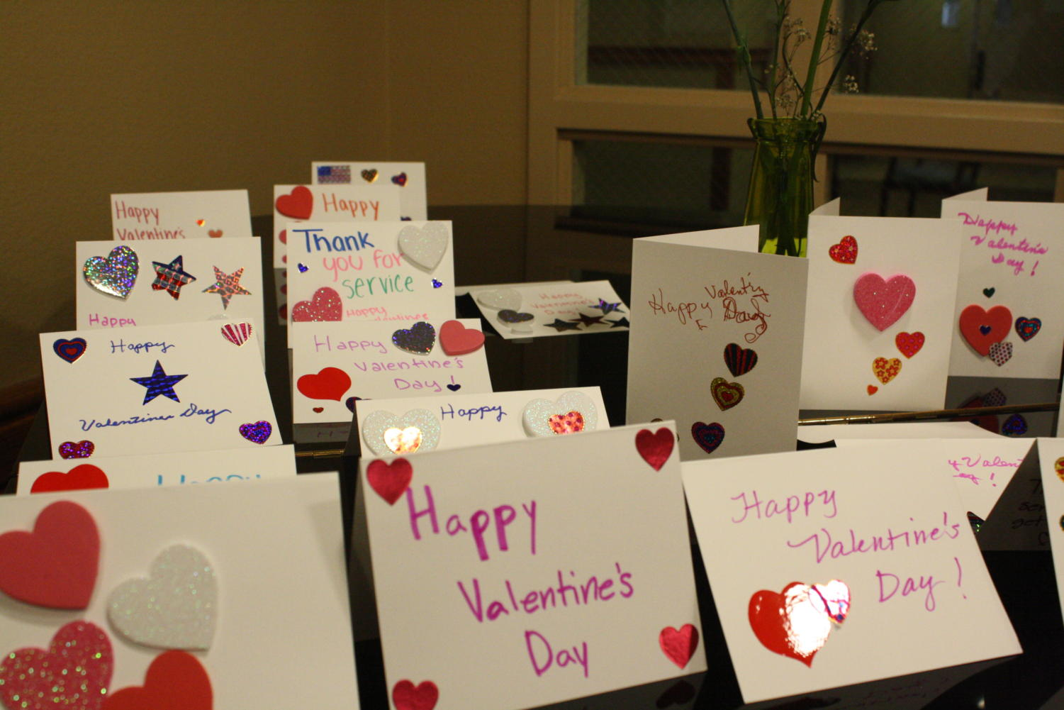 Many+people+made+Valentine%27s+Day+cards+for+the+veterans+to+show+their+love+and+appreciation.