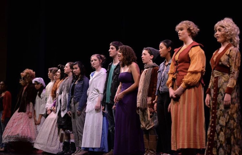 Carlmont+High+School+takes+on+%22Into+the+Woods%22+as+their+annual+musical.