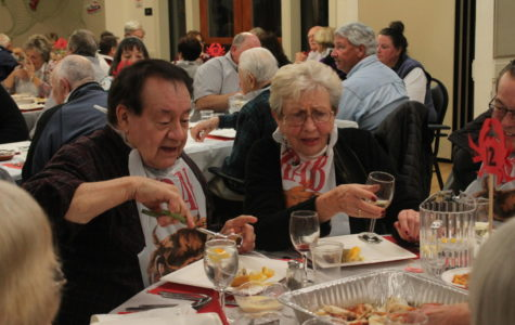 San Carlos Crab Feed brings smiles to seniors