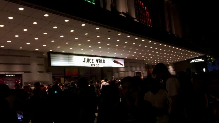 Outside+the+Civic+Center%2C+Juice+Wrld%27s+name+is+visible+under+hundreds+of+glowing+lights.