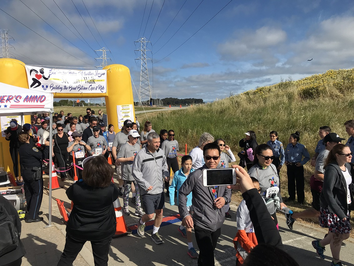 Hundreds of participants set off on their 5k run at Coyote Point.