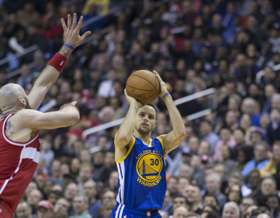 Stephen+Curry+led+the+Golden+State+Warriors+in+scoring+with+34+points+in+Game+1+of+the+NBA+Finals.