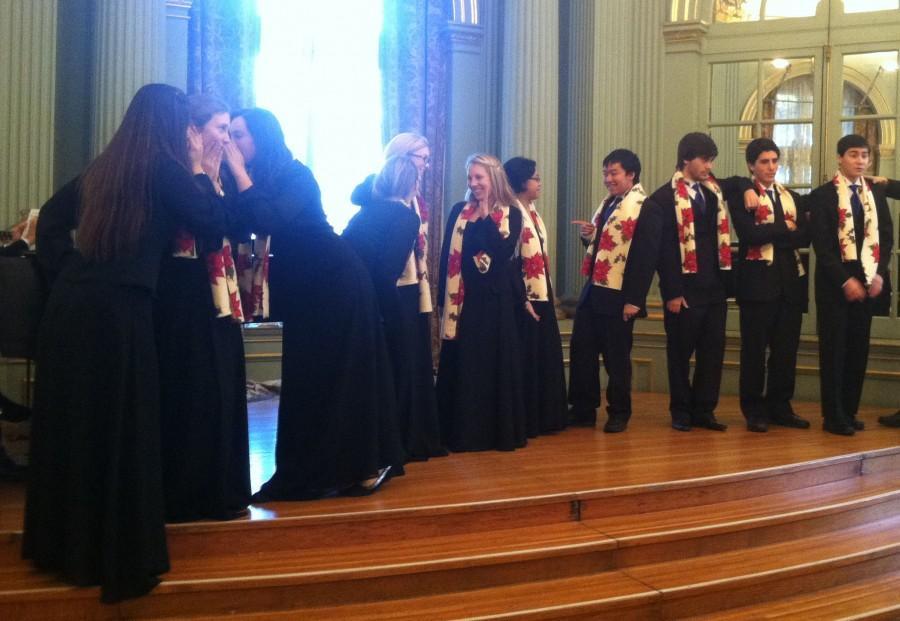 Choir students bring holiday cheer to Filoli Mansion