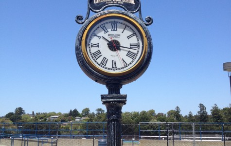 Clock in Carlmont's quad