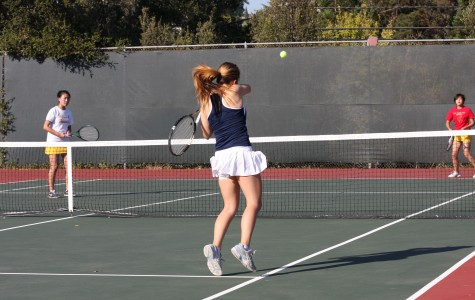 Varsity tennis serves up a dominant win over Mills