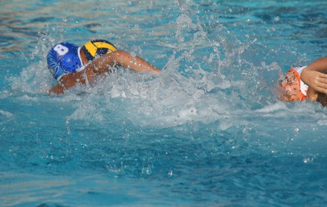 Carlmont water polo defeats Woodside