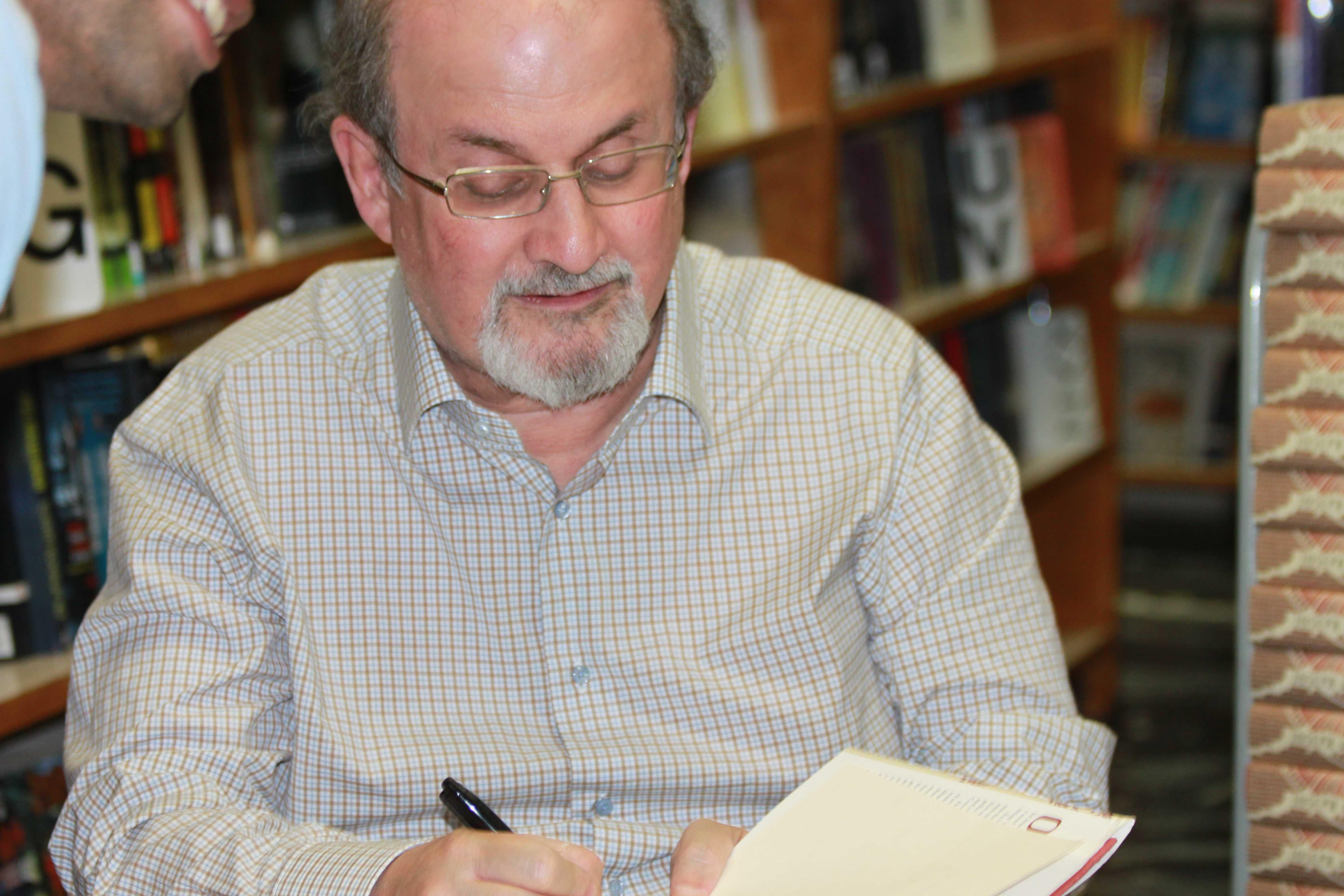 Salman Rushdie offers international scope in local visit