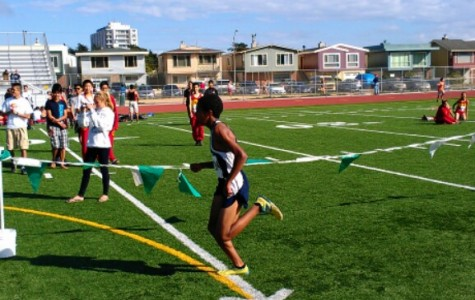 Carlmont dominates at cross country meet