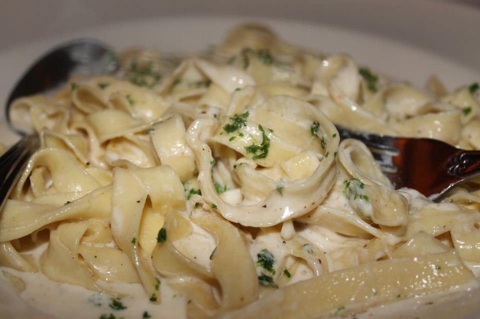 A large dish of Fettuccine Alfredo at the Cheesecake Factory.