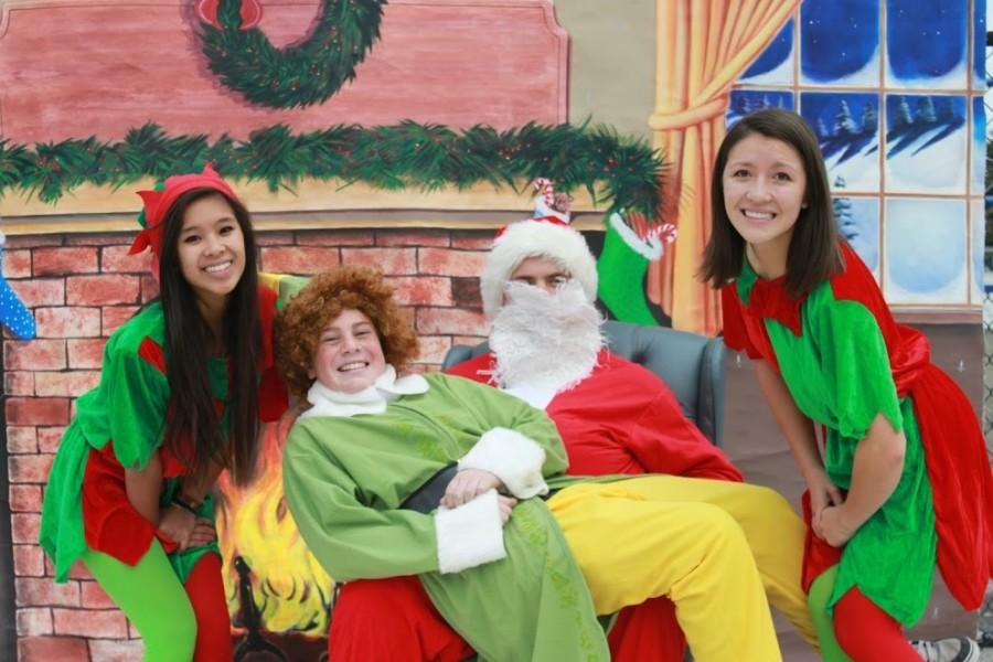Santa+and+Buddy+the+Elf+pictures