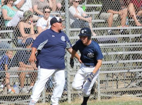 Varsity baseball beats Aragon