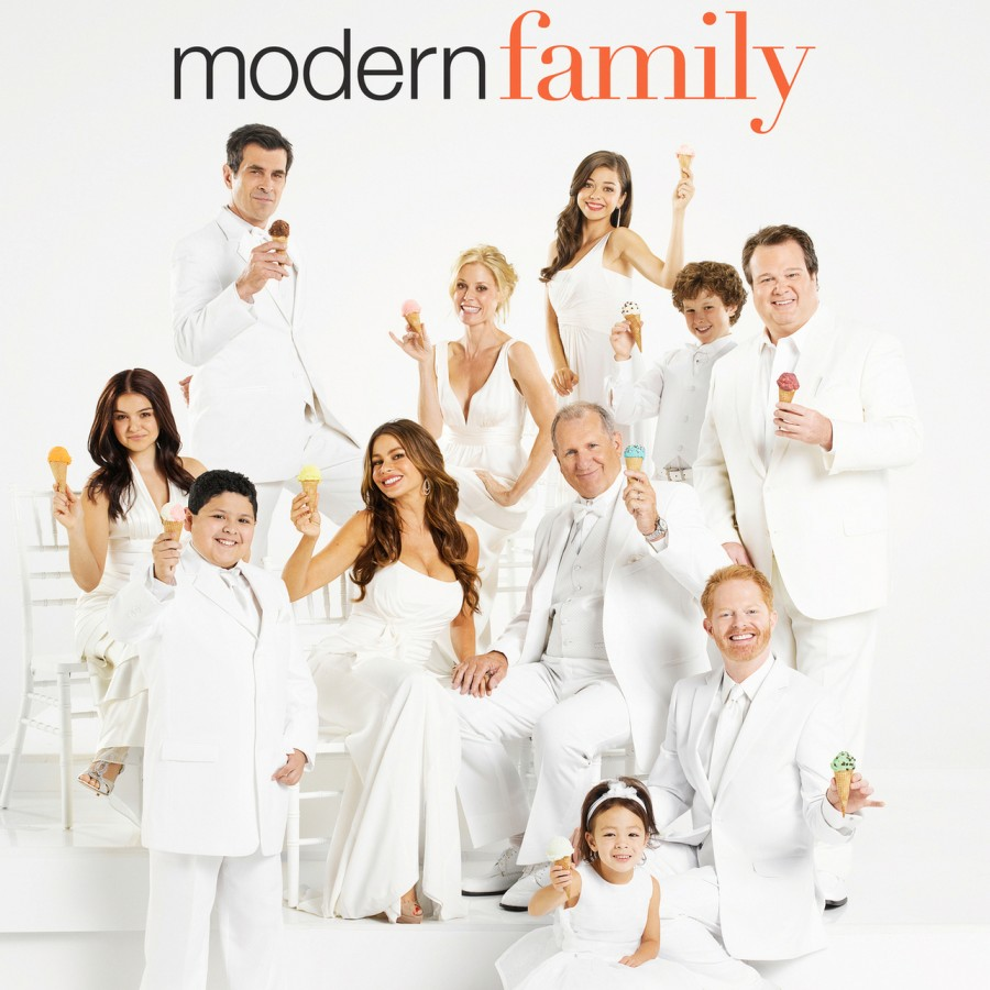 Modern+Family+Promotional+Poster