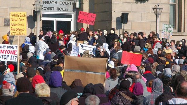 Activists+gather+at+the+Jefferson+County+Courthouse+in+Steubenville%2C+Ohio.+Photo+cred%3A+Michael+D.+McElwain%2C+Steubenville+Herald-Star