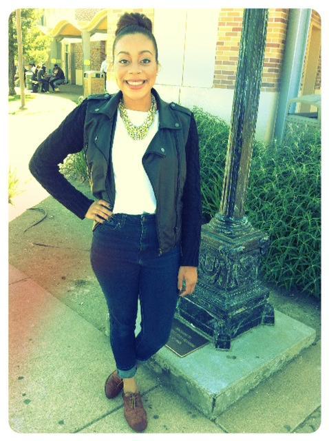 Senior, Maylon Robinson expressing her style