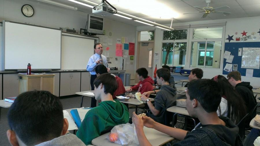 Assemblyman Rich Gordon speaks to JSA