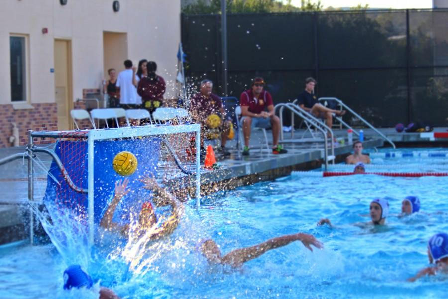 Boys+varsity+water+polo+in+a+2013-2014+season+game.