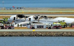 SFO crashed plane with foam covering the ground.